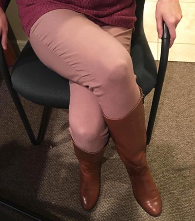crossed legs | Photo showing Denise's crossed legs